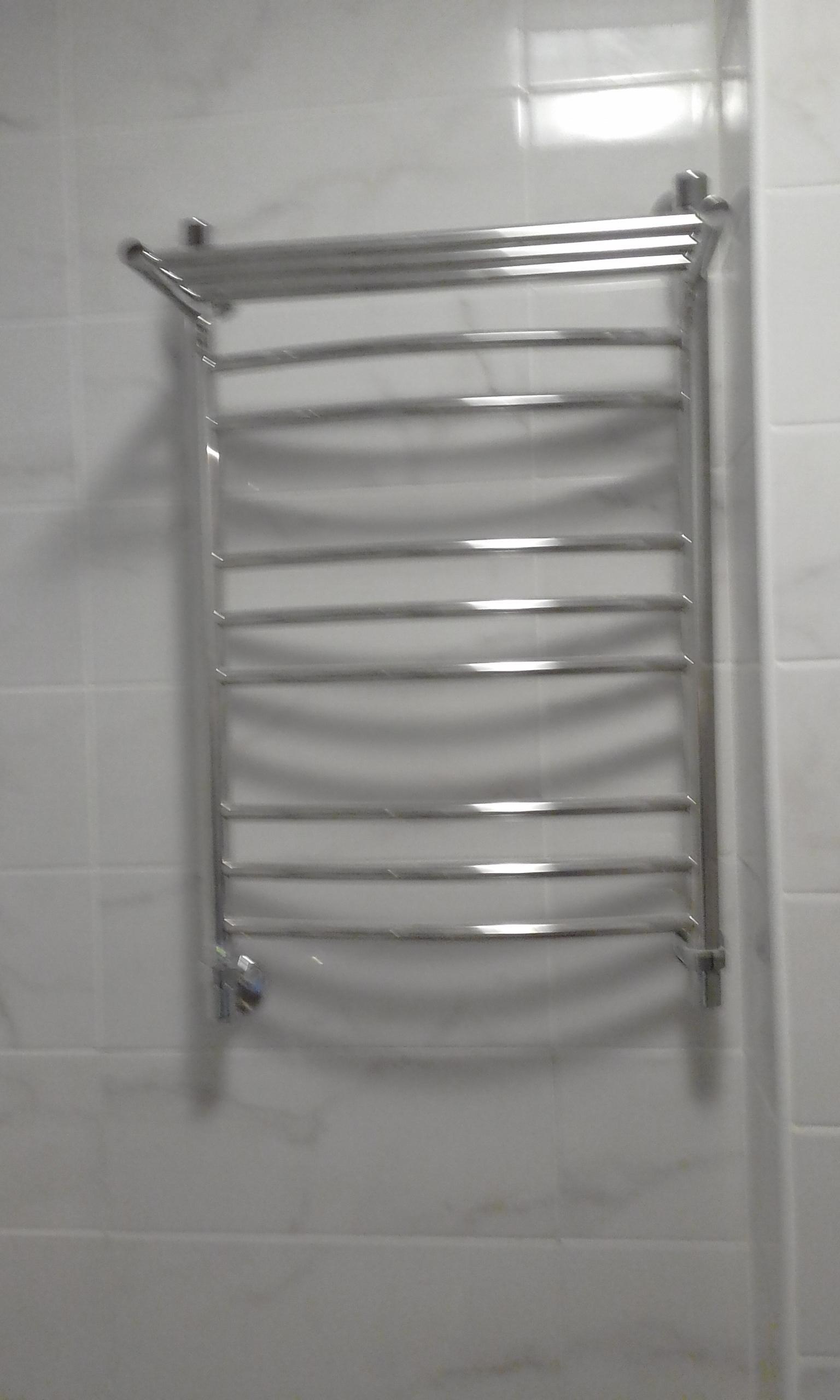 Фото установки полотенцесушителя